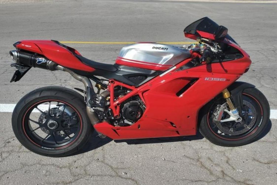 2008 Red Ducati 1099 S S (ZDM1XBEW18B) with an 1,098 cc L twin engine, Six-Speed Dry Clutch transmission, located at 6855 Stone Dr, Las Vegas, NV, 89110, (832) 726-6080, 36.171677, -115.022240 - Photo #1