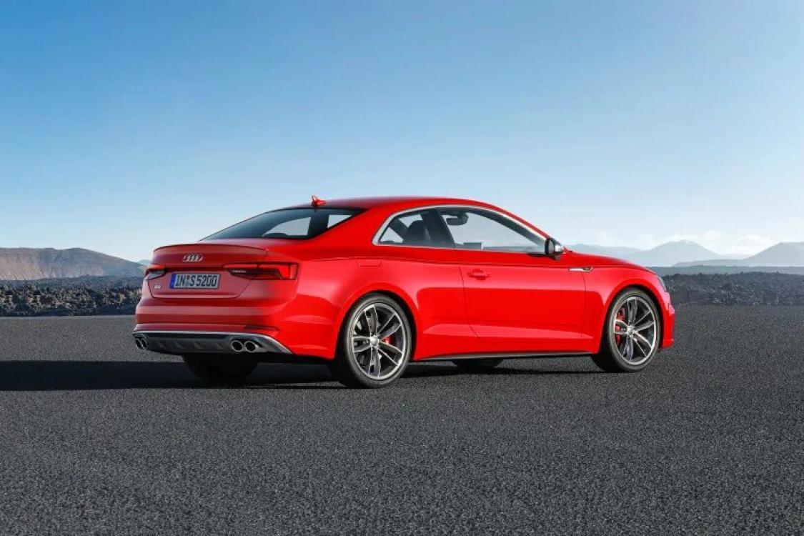 2018 Red /Black Leather Audi RS5 quattro Coupe (WUAPWAF50JA) with an 2.9L V6 DOHC 24V engine, 8A transmission, located at 6855 Stone Dr, Las Vegas, NV, 89110, (832) 726-6080, 36.171677, -115.022240 - Photo #4